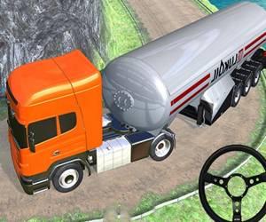 Off Road Oil Tanker Transport Truck